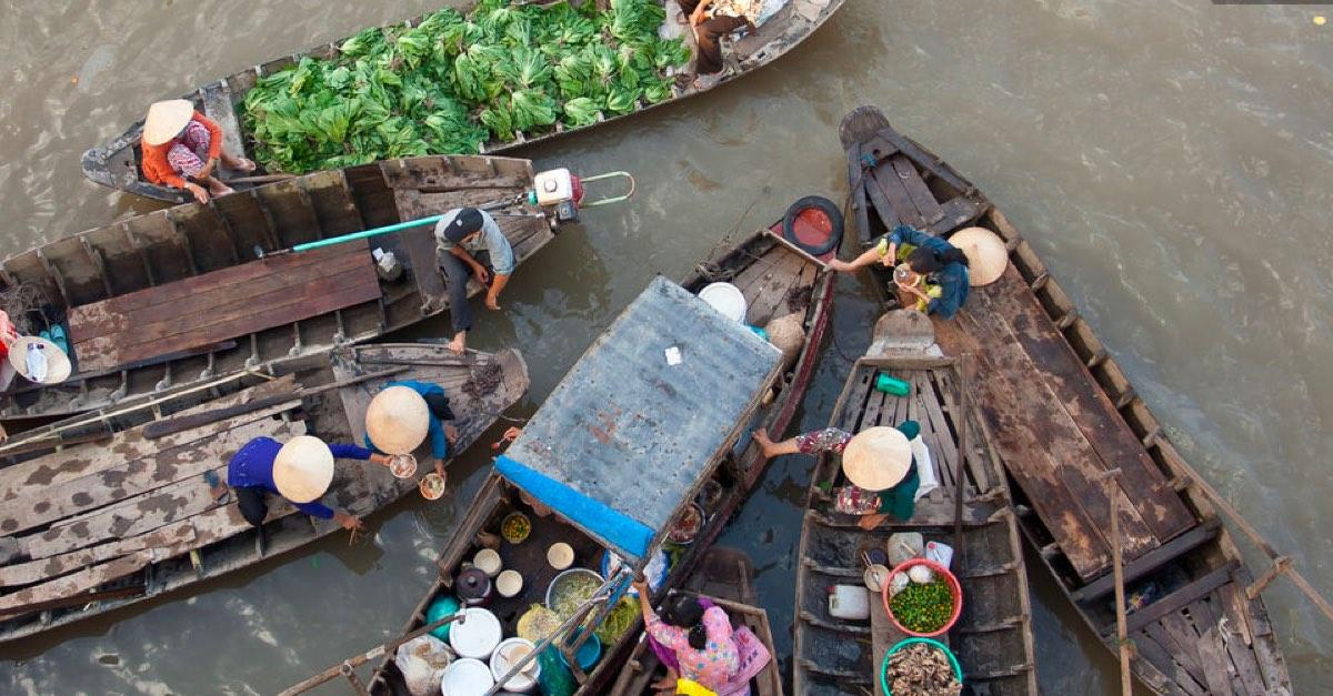 Cai Rang floating market tour