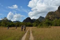 Tha Khaek trekking