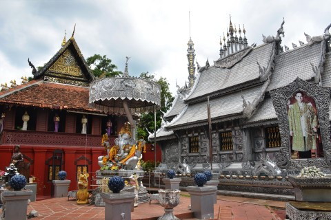 A silver contrast. Photo taken in or around Wat Sri Suphan, Chiang Mai, Thailand by Mark Ord.