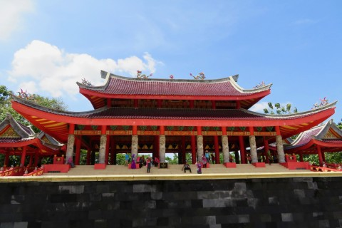 The temple is a fair size... Photo taken in or around Sam Poo Kong Temple, Semarang, Indonesia by Sally Arnold.