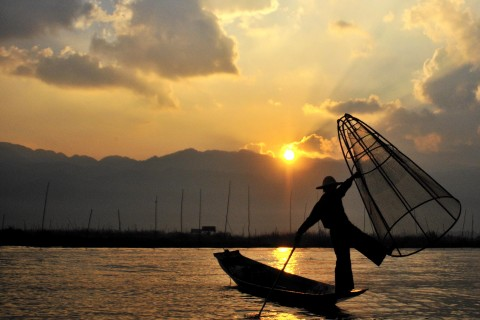 Worth getting up early for. Photo taken in or around Three-day Inle Lake itinerary, Inle Lake, Burma_myanmar by Mark Ord.