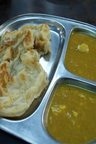 Singapore hawker dishes: Roti prata