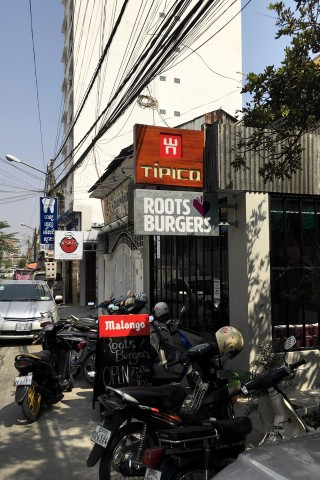 Roots & Burgers
