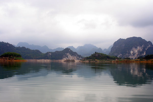 The reservoir at Hoa Binh