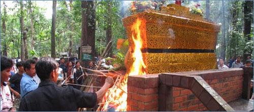 Forest wat cremation