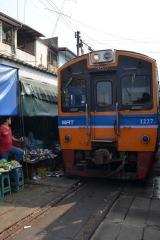 Photo of Mae Khlong train market