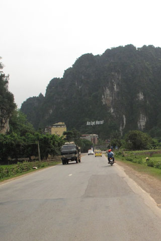 Hanoi to Mai Chau by motorbike