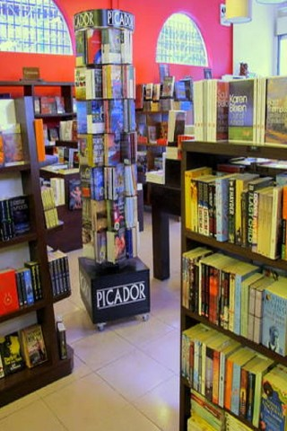 English-language bookstores in Phnom Penh