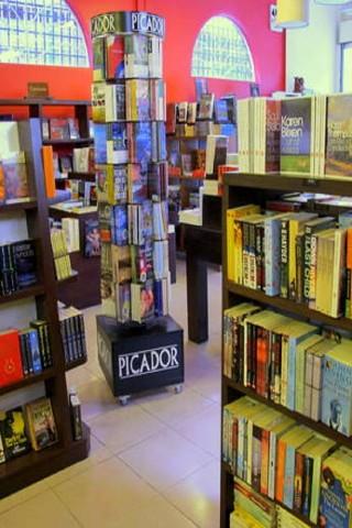 English-language bookstores in Phnom Penh