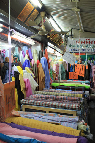 Pahurat cloth market
