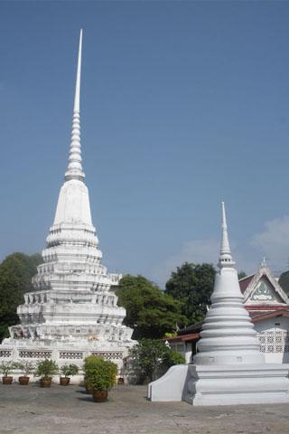 Wat Mahannaparam and Chao Phaa Sua