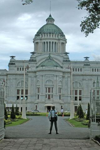 Ananta Samkhon Palace