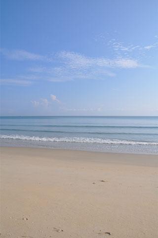 Batu Buruk Beach