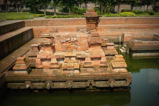 Candi Tikus - a religious bathing pool