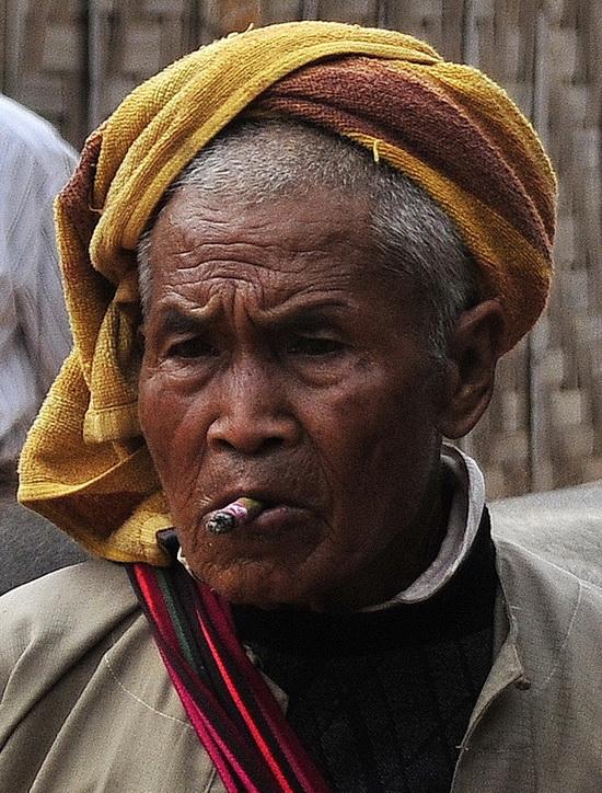Pa-O man in In Dein Market