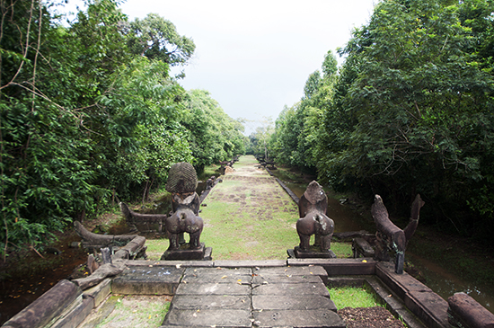 Banteay Samre Causeway with guardian lions