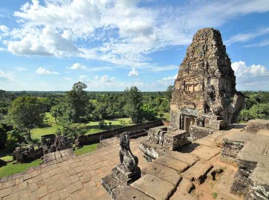 The summit of Pre Rup on a typically quiet afternoon.