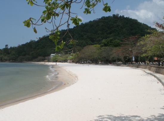 Keptacular beach.