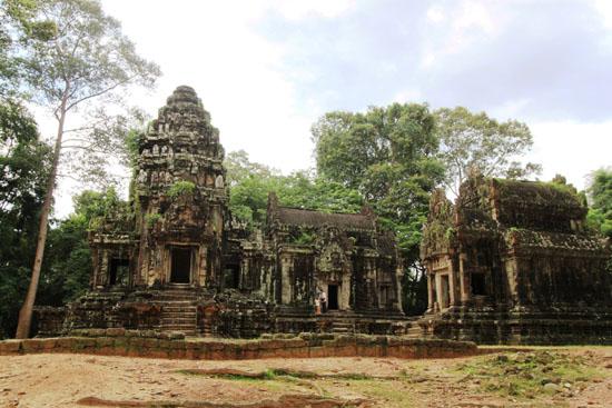 Thomanon and Chau Say Tevoda temples: same same but different.