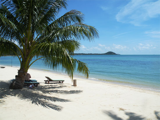 Taling Ngam Beach sees few travellers - all the more reason to check it out.