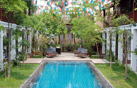 LP_Le Sen Hotel pool_Cindy Fan