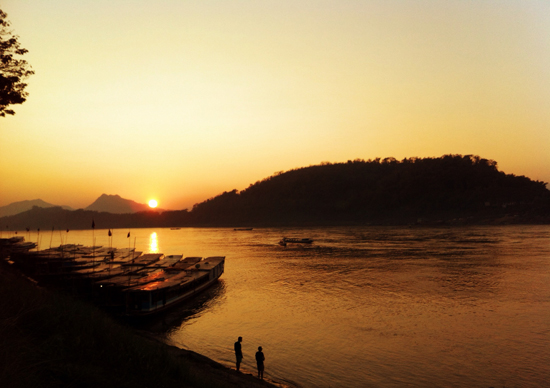 A boat cruise, our favourite way to spend sunset and observe life on the river.