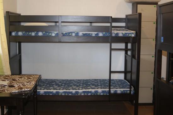 Spotless dorm room gets an A+.