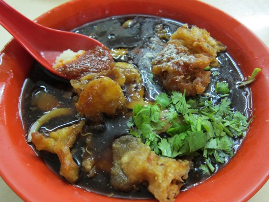Lor mee tastes much better than it looks - don't be deceived by the black gooey appearance.