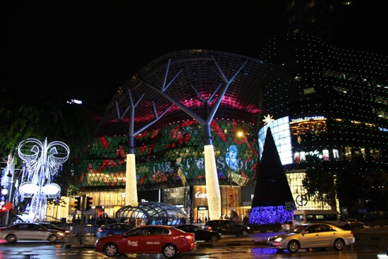 The great mass of lights that is Ion Orchard is glitzy normal days and even more glamourous during Christmas