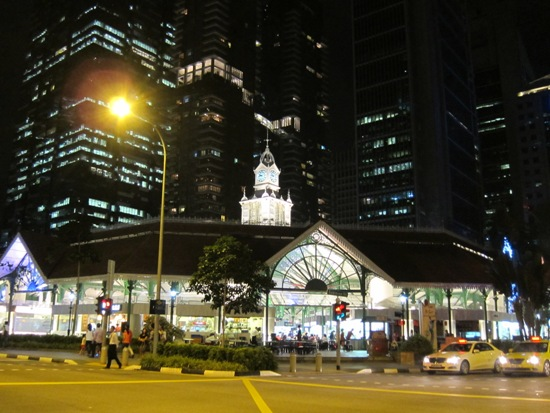 Lau Pa Sat is a heritage building, right in the midst of Singapore's financial hub