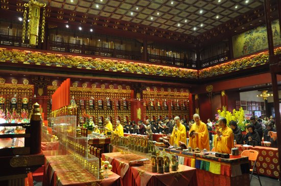 The Buddha Tooth Relic Temple: Well worth a look.