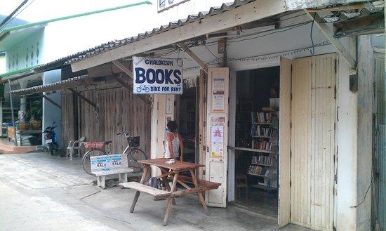 Chaloklum Books shop
