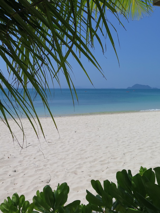 Loh Jark beach and its rather nice sands.