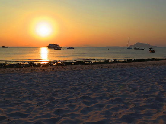Sunset on Yao Yai's Loh Jark beach. Not too shabby.