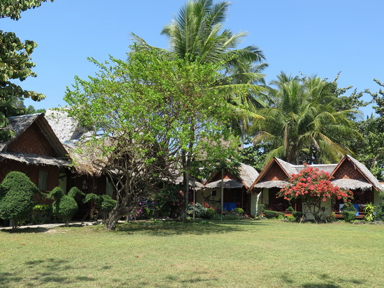 Classic thatch bungalows on the beach - Yao Yai Resort.