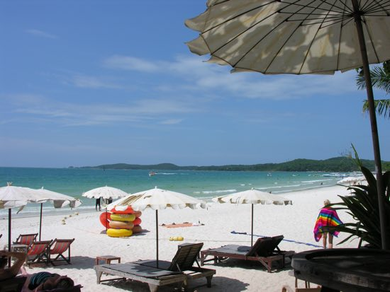 Ko Samet: Being close to Bangkok is good and bad.