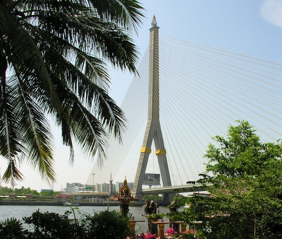 The single-tower Rama VII suspension bridge opened in 2002.