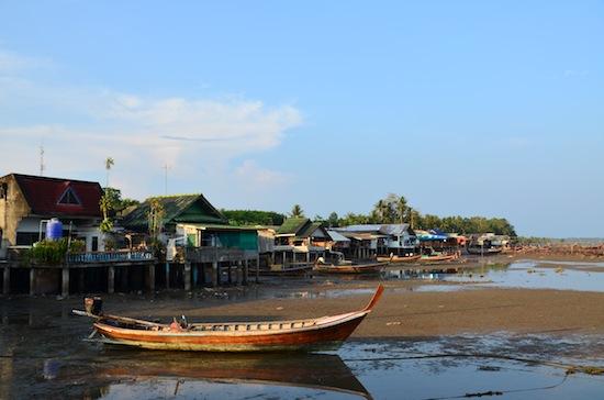 A low-tide view of Batu Bute.