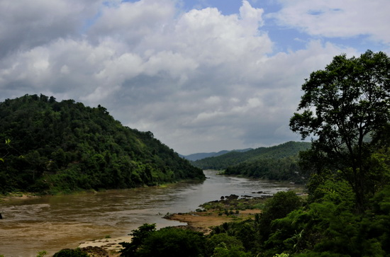 The Salween at Mae Sam Laep: Thailand left and Burma right side