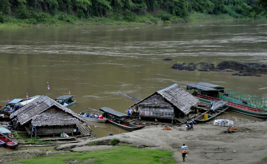 he liveliest spot in Mae Sam Laep - the boat landing