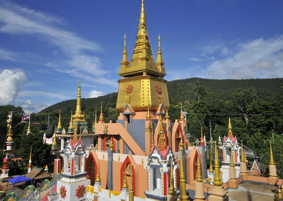 All the chedis and stupas are full accessible