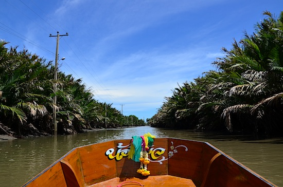Boat is the only way to Wat Khun Samut Chin.